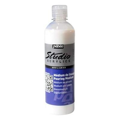 Pouring medium Studio Acrylics